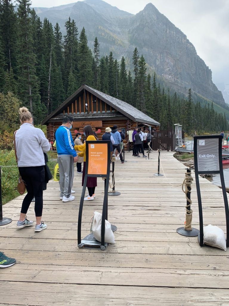 5 REASONS TO GO TO BANFF